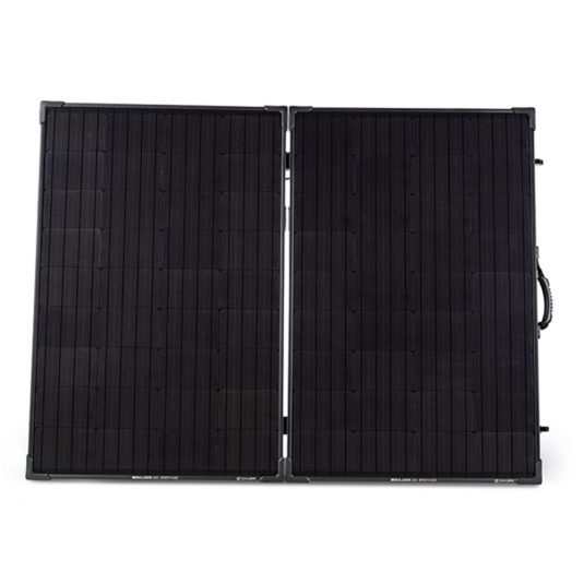 goal-zero-boulder-200-solar-panel-briefcase-front-wintec